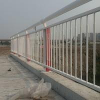 桥梁防护隔离栏 东莞锌钢河道护栏 深圳海边不锈钢围栏