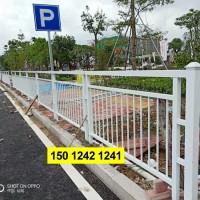 人行道栏杆现货 清远公路隔离栅 京式交通护栏厂